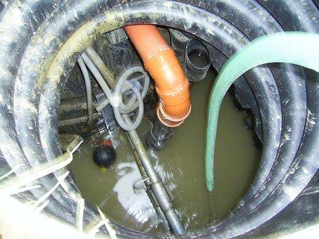 Na opravy kanalizace je třeba profesionální technika
